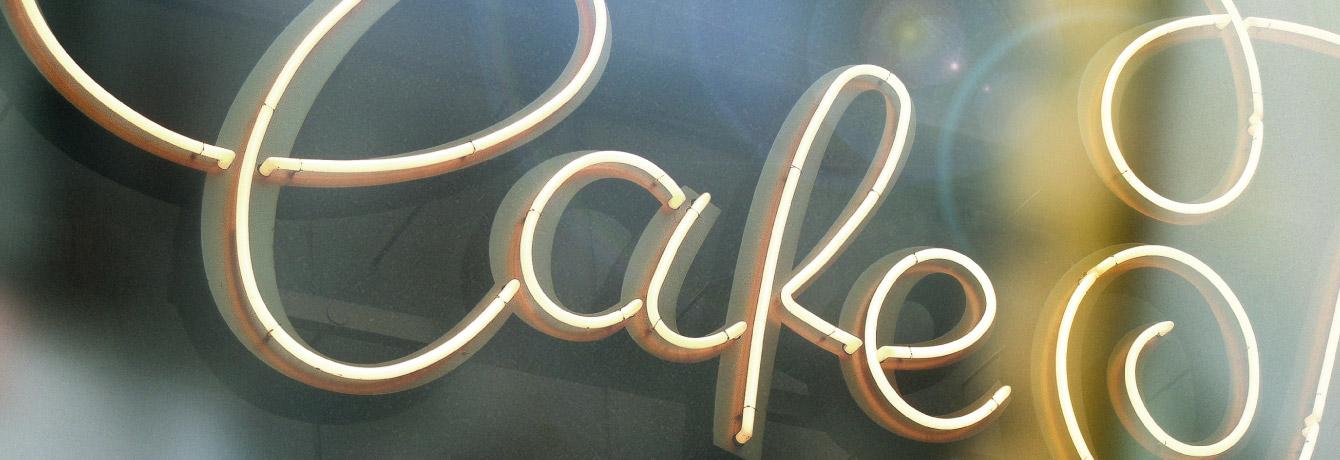 markthalle, cafe prag, dresden, produce me, redesign, Lebensmitteleinzelhandel, überarbeitung, anpassung, modifikation,schriftzug, lettering, wortmarke, custom type, schriftzug, signet, historisch, typografische Anpassung, Jakob Runge, Type-Job, optische größen, schwungvoll, zierschwünge, swirls