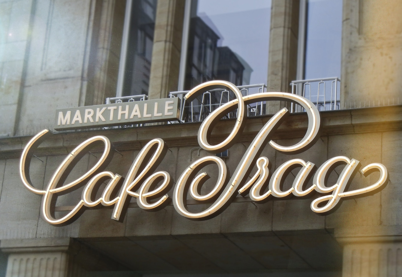 market hall, cafe prag, dresden, produce me, redesign, gastronomic, overwork, modification, lettering, brand, custom type, logo, historic, typographic, Jakob Runge, Type-Job, optical sizes, energetic, swashes, swirls, corporate, design